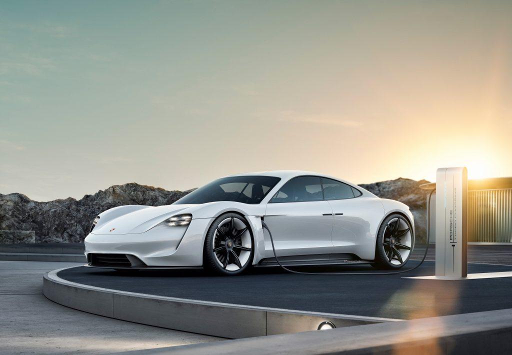 Porsche saprà far cantare l'elettrico?